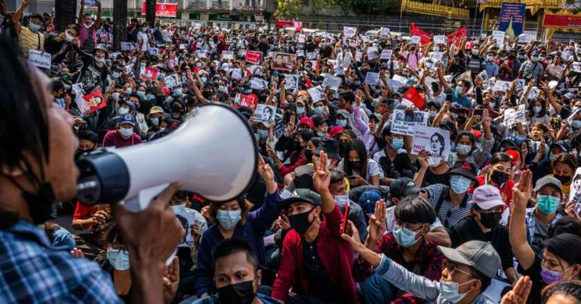 Myanmar Police Fire Rubber Bullets, Tear Gas at Protesters