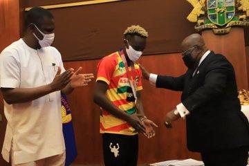 Tokyo 2020: President Akufo-Addo rewards Samuel Takyi with $30,000 and a car