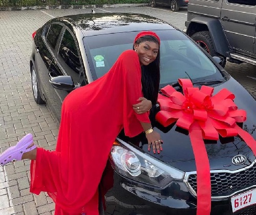 D Black Wows Sefa With Brand New Car