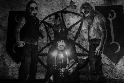 Idolatry. Top (left to right): Nox Invictus (Guitar), Daemonikus Abominor (Drums), Lycaon Vollmond (Guitar), and  Center: Lörd Matzigkeitus (Vocals) - Photo credit: Pandemic Photography (Kevin Eisenlord)