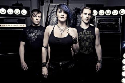 InAeona band 2015