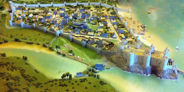 Reconstruction of Conwy Castle and town walls at the end of the 13th century. Model located in Conwy Castle. By Hchc2009 - Own work; on permanent public display at Conwy Castle, CC BY-SA 3.0, https://commons.wikimedia.org/w/index.php?curid=20294022
