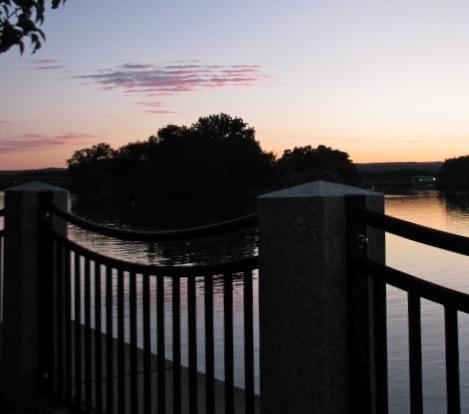 esplanade sunset at Riverside Park - 05July09