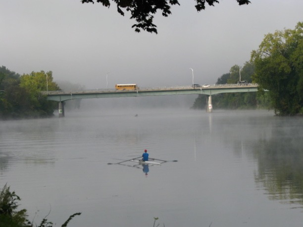 rower with fog-lifting - past the Western Gateway Bridge - 8 AM 21Sep09
