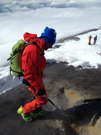 scialpinismo etna sicilia michele gusmini longhi giacomo lorenzo tagliabue marco ballerini mountainspace climb camp dynastar marvi sport rifugio sapienza funivie lava gopro racer (38)