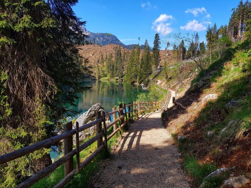 sentiero ad anello lago di carezza
