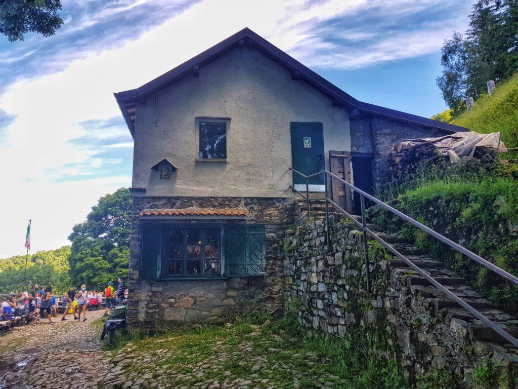 Rifugio Riella Monte Palanzone