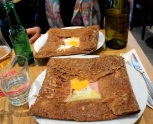 crepes con uova e emmentaler