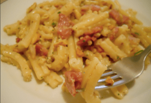 spaghetti-noci-e-pancetta