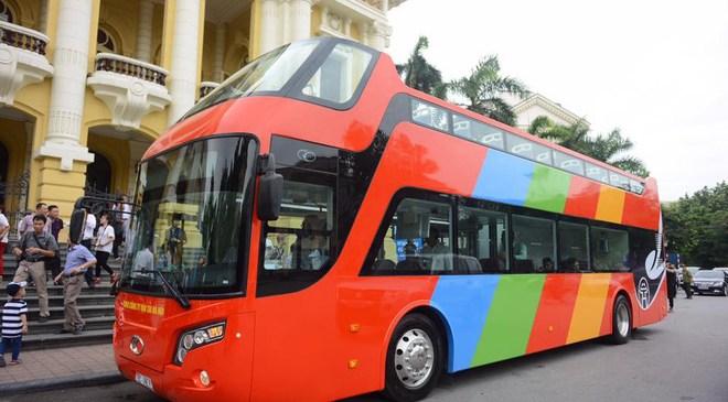 Xe buýt mui trần 2 tầng đầu tiên xuất hiện ở Việt Nam