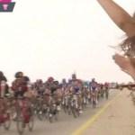 3 cô gái cố tình gây sốc khi khoe ngực trần trên sóng trực tiếp giải đua xe đạp Italia