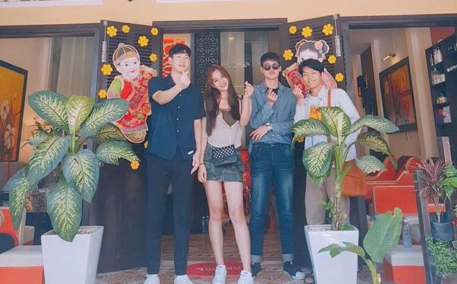 Gia cảnh tân Hoa hậu Việt Nam 2018 Trần Tiểu Vy: Bố bị tai biến, mẹ là trụ cột gia đình