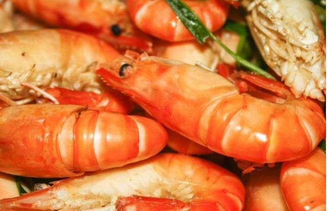 Người TQ có cách luộc tôm đơn giản mà không hề để lại mùi hôi tanh, chỉ vài bước là đã có món tôm biển luộc vô cùng tươi ngon - Ảnh 4.