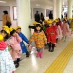 Khám phá bí mật đằng sau việc trẻ em Nhật luôn cư xử ngoan ngoãn ở nơi công cộng - Ảnh 2.