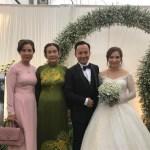 Cô dâu 9x của rapper Tiến Đạt lộ vòng hai lớn trong đám cưới tại tư gia