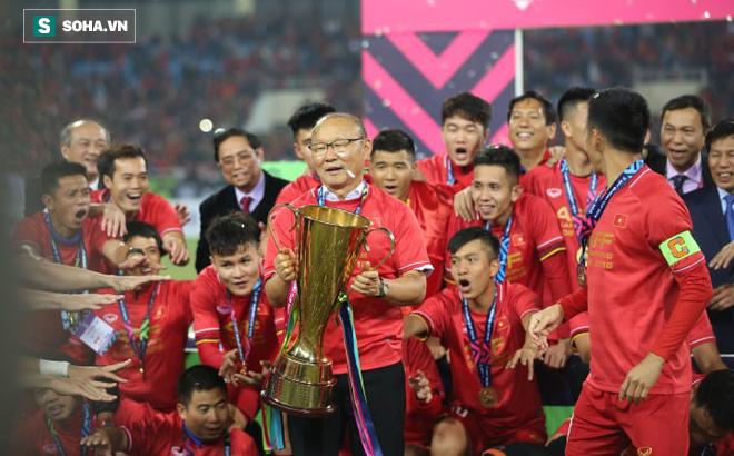 Tiết lộ: HLV Park Hang-seo phải giấu mẹ chuyện dẫn dắt ĐT Việt Nam đá AFF Cup