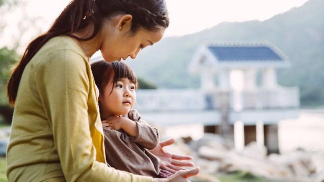 """Nếu trẻ có những hành vi """"không ngoan"""" này, các mẹ nên mừng bởi chứng tỏ trẻ rất thông minh"""