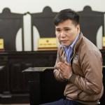 Ca sĩ Châu Việt Cường chắp tay 'xin lỗi ngàn lần' và nhận án 13 năm tù