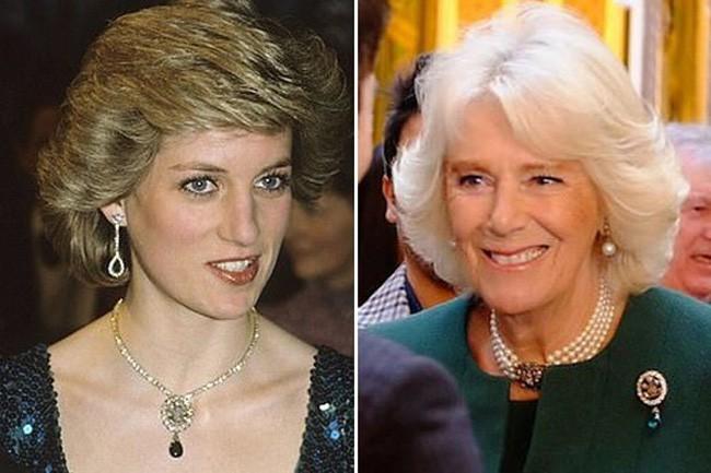 """Sau hàng chục năm mang danh kẻ thứ 3, bà Camilla bất ngờ """"động chạm"""" đến Công nương Diana quá cố bằng hành động """"tàn nhẫn"""" khiến dư luận phẫn nộ"""