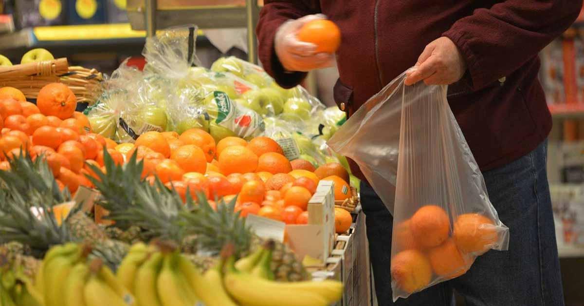 La rivolta dei sacchetti ortofrutta biodegradabili