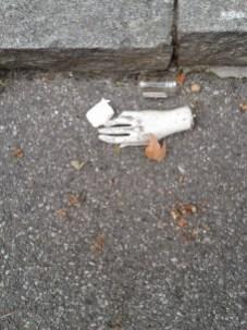 LA BAMBINA (PREVIEWS) - Right Hand Path