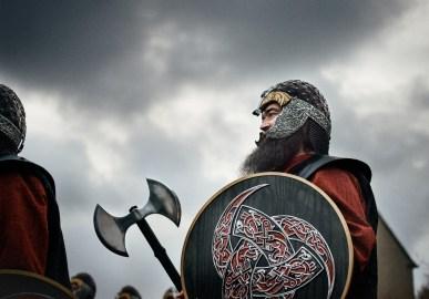 vichingo-ascia-up-helly-aa-shetland-inverno