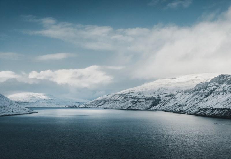 fiordi-innevati-isole-faroe