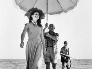 Pablo Picasso e Françoise Gilot - Foto di Robert Capa