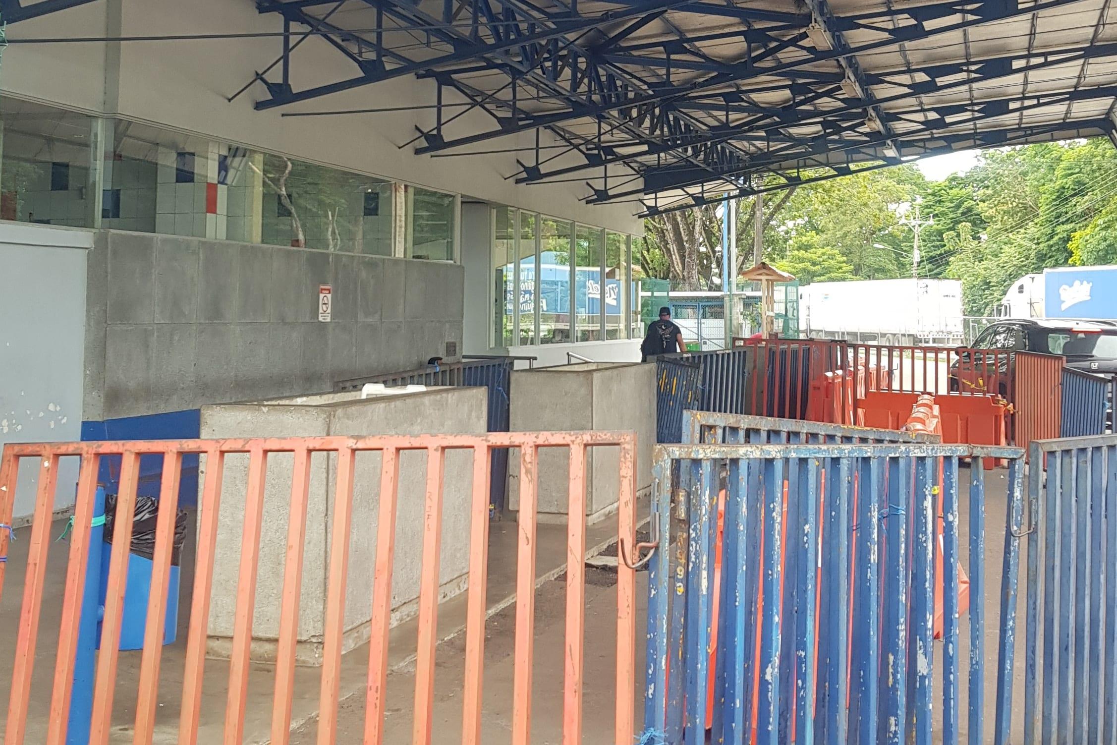 Border Crossing Costa Rica to Nicaragua - Costa Rica Migration Building
