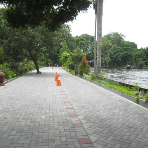 path by gembira loka Zoo