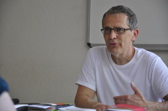 Ob als Professor oder Autor - Hamann sieht sich stets als Literaturvermittler. (Foto: Carsten Vogel)