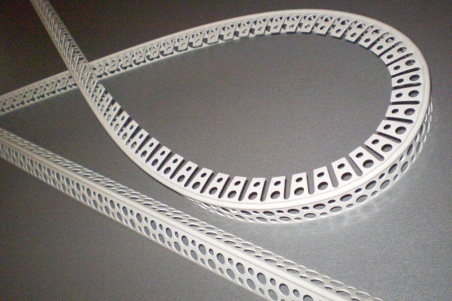 Angle melengkung berlubang
