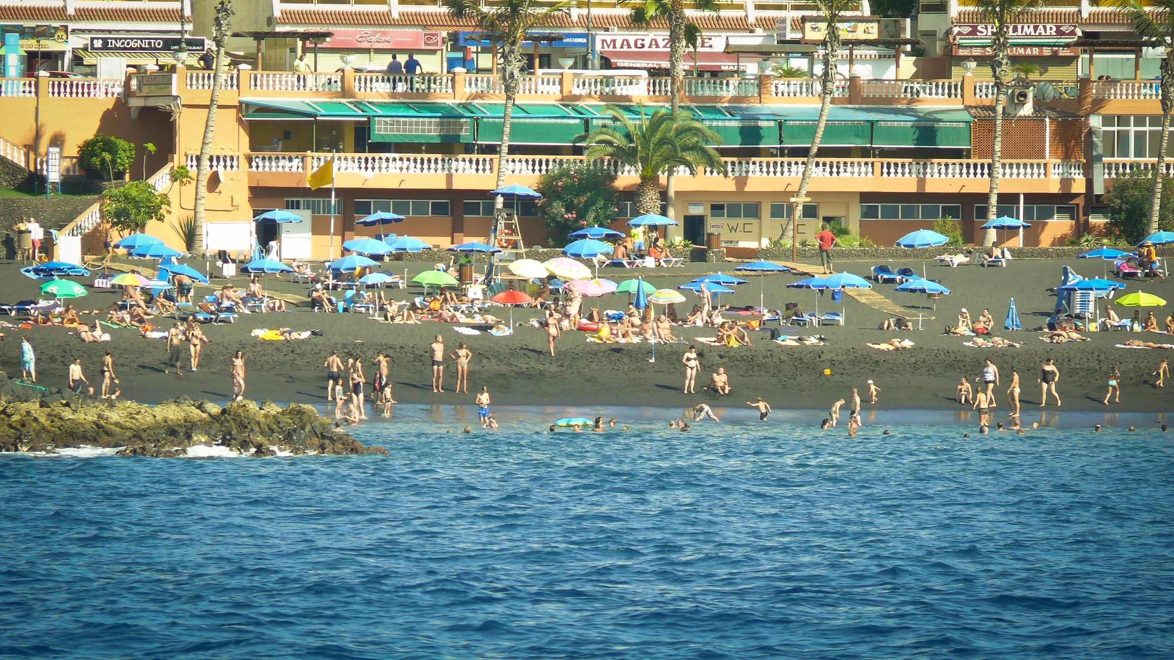 Пляж Ла Арена, Пуэрто де Сантьяго, Тенерифе - вид с моря