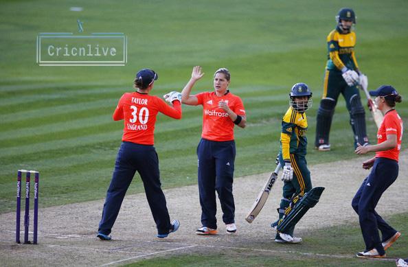 Image Result For Sarah Taylor And Katherine Brunt Back In England Squad