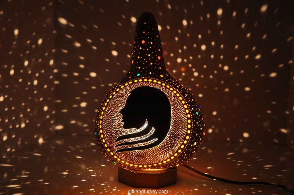 VIRGO MOSAIC LAMP