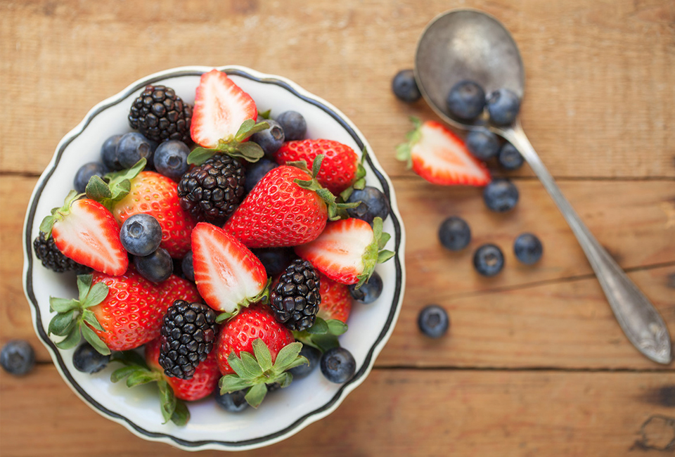 https://i1.wp.com/giftofhealth.org/wp-content/uploads/2015/04/berries2.jpg
