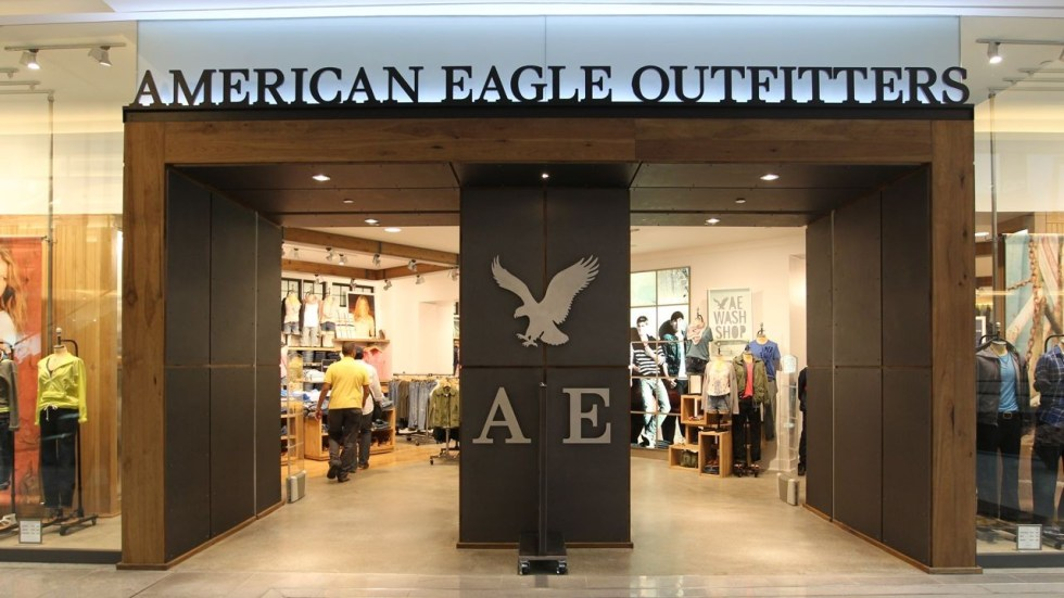 Win American Eagle Outfitters Voucher Worth $20 Each at VivoCity Singapore (2)