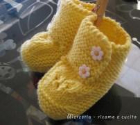 Scarpette-neonato-di-lana-ai-ferri-2