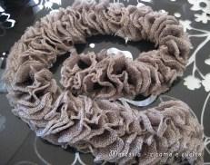sciarpa-con-lana-volant-a-rete-grigio-2