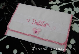 Busta-portaoggetti-rosa-per-Dalila-4