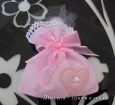 Sacchettini-bomboniere-portaconfetti-rosa-con-cuore-per-Arianna-1