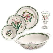 PATTERNED DINNER AND TABLEWARE