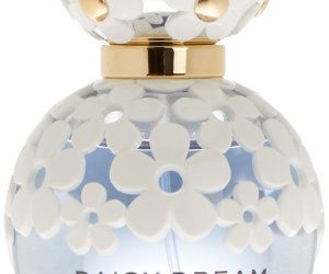 Marc Jacobs Daisy Dream Eau De Toilette at Amazon