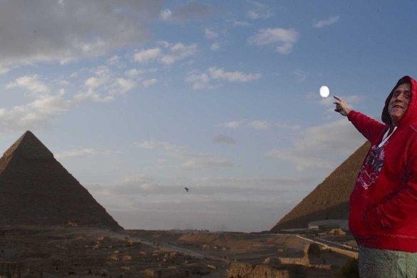 John Shaughnessy et les pyramides