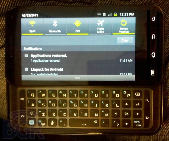 Android This Week: Galaxy S2 vs iPhone; AT&T bakes Gingerbread, myTouch 4G Slide reviewed (2/3)