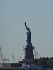 Miss Liberty... nur vom Land aus gesehen.... wir sind ihr nicht in den Kopf gestiegen...