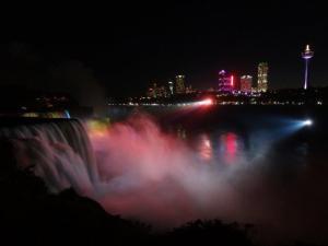 Niagara Falls von der amerikanischen Seite...