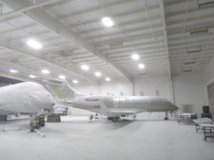 Die Flugzeuge werden neu lackiert...