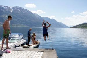 Herrliches Badewetter... der Fjord ist noch nicht so warm... aber das macht nichts!!!