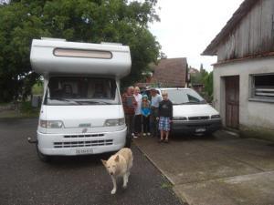 ein auf Wiedersehen sagen bei Fritz und Christina... wir durften immer unsere Autos bei ihnen parkieren in Buhwil...